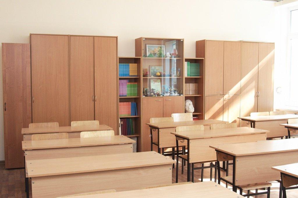 Мебель для учебных заведений и библиотек, общее: Школьная мебель в Учебная литература, ООО