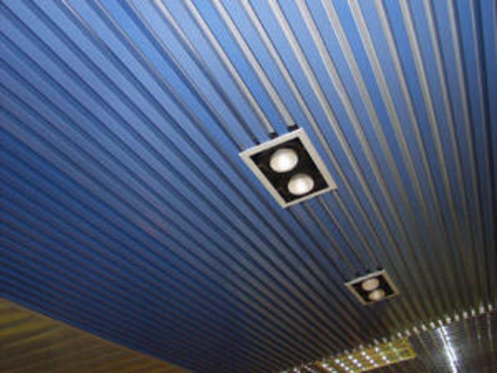 Реечные потолки: Рейка кубообразная A25S суперхром А741 в Мир Потолков