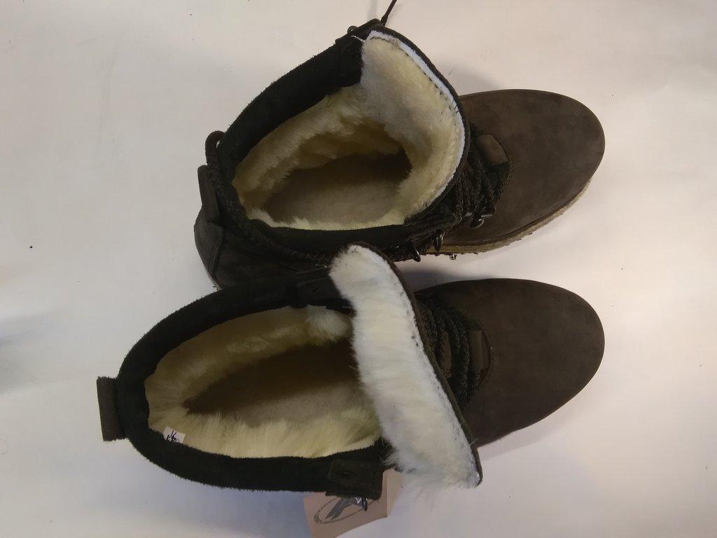 Унты, валенки, чуни мужские: Ботинки мужские утеплённые на войлочной подошве в Сельский магазин
