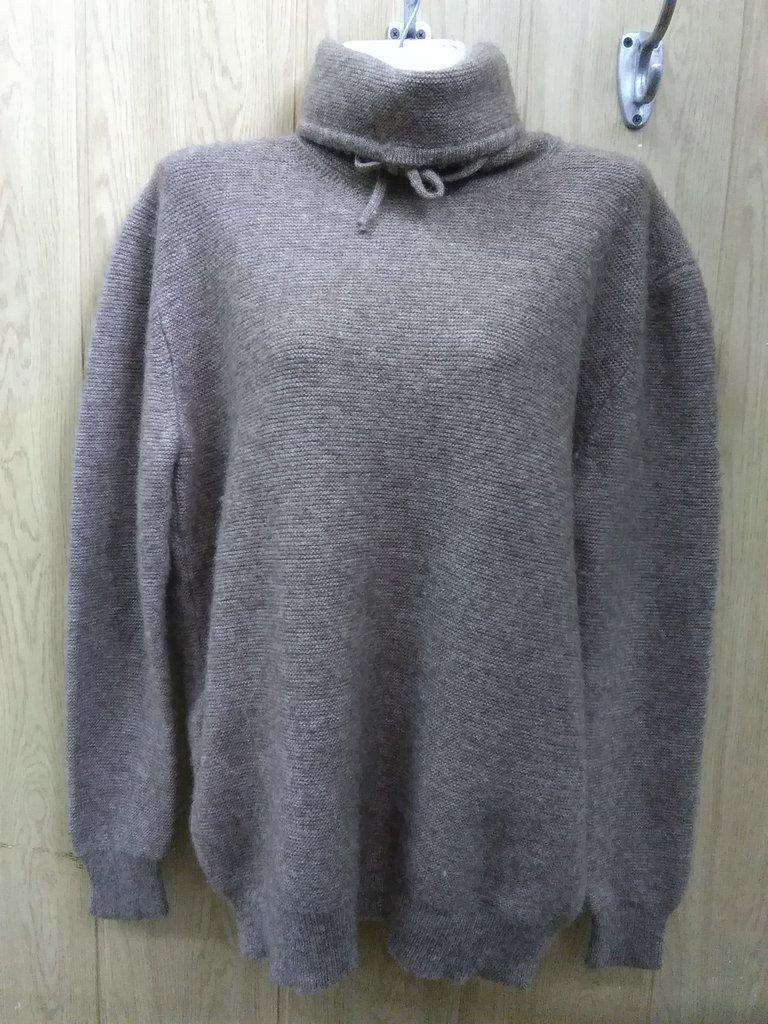 Женская одежда: Джемпер из шерсти яка с высоким воротом в Сельский магазин